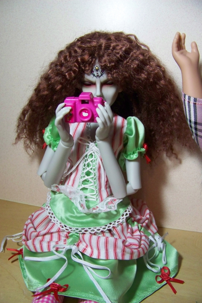 http://www.oddpla.net/blog/dolls/araminthe/camera/100_5115.JPG
