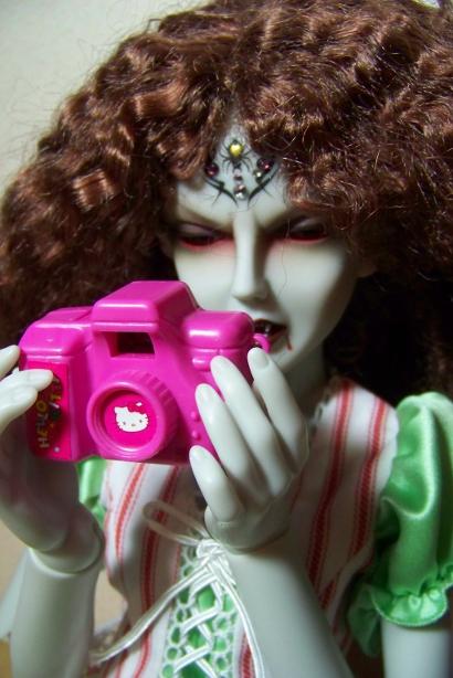 http://www.oddpla.net/blog/dolls/araminthe/camera/100_5116.JPG
