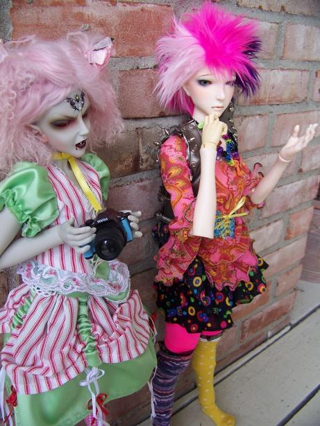 http://www.oddpla.net/blog/dolls/araminthe/nocamera/100_5895.JPG