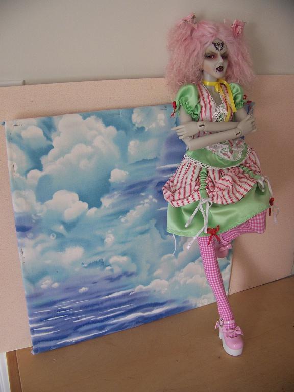 http://www.oddpla.net/blog/dolls/araminthe/sky/100_5496.JPG