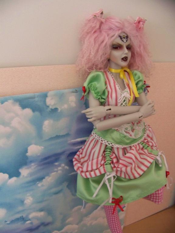 http://www.oddpla.net/blog/dolls/araminthe/sky/100_5501.JPG