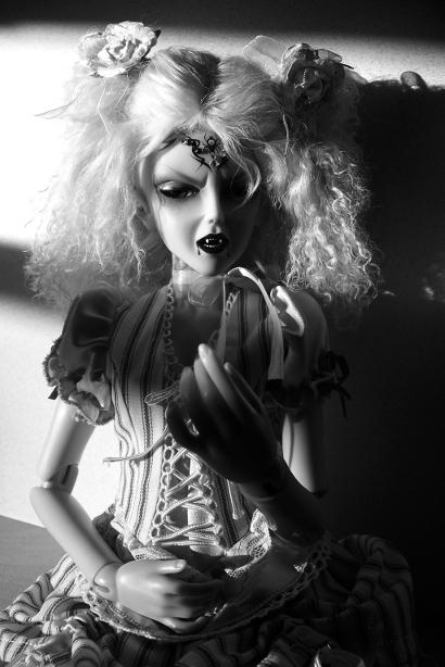 http://www.oddpla.net/blog/dolls/araminthe/sunlight/100_5181.JPG