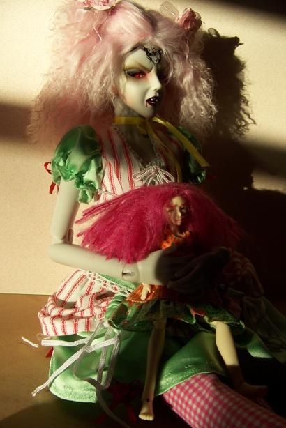 http://www.oddpla.net/blog/dolls/araminthe/sunlight/100_5185.JPG