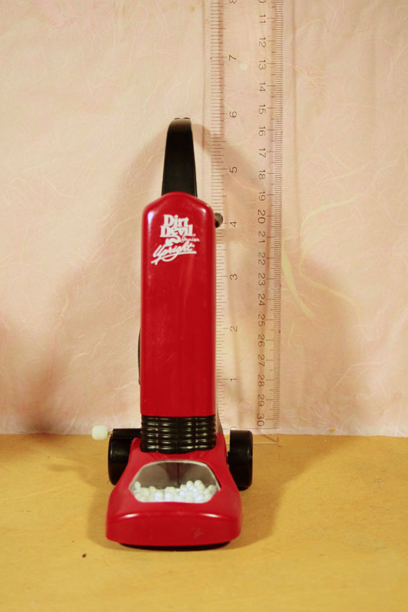 Dirt Devil Toy Vacuum Cleaner 37