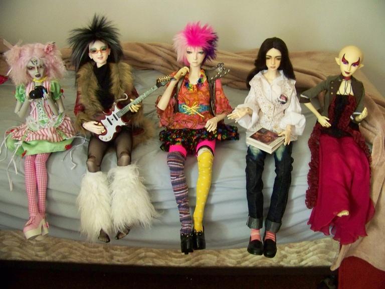 http://www.oddpla.net/blog/dolls/janvierjett/all/100_5951.JPG