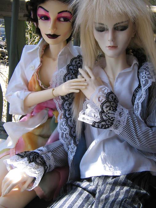 http://www.oddpla.net/blog/dolls/jareth/familyportrait/IMG_0033.JPG