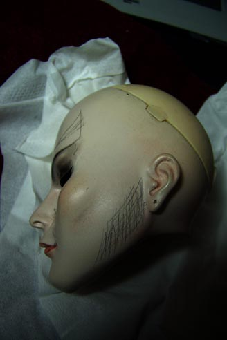 http://www.oddpla.net/blog/dolls/jareth/needswork/100_2342.JPG