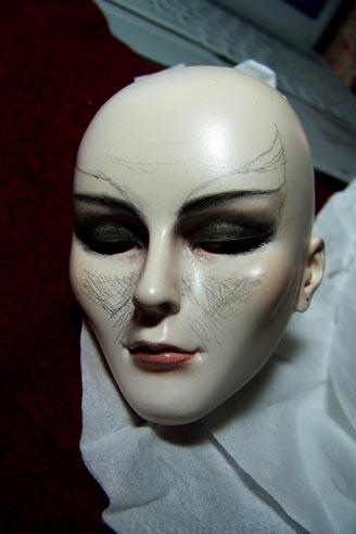 http://www.oddpla.net/blog/dolls/jareth/needswork/100_2344.JPG