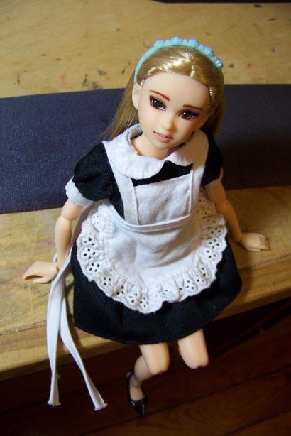 http://www.oddpla.net/blog/dolls/jenniferdoll/momoko/100_3346.JPG