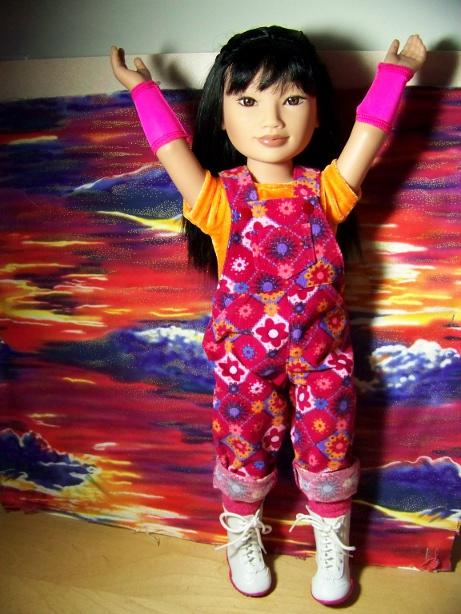 http://www.oddpla.net/blog/dolls/junebug/overalls/100_5520.JPG