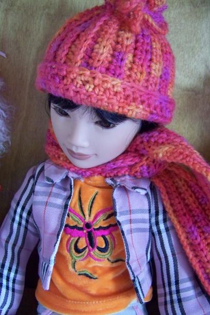 http://www.oddpla.net/blog/dolls/junebug/scarf/100_5215.JPG