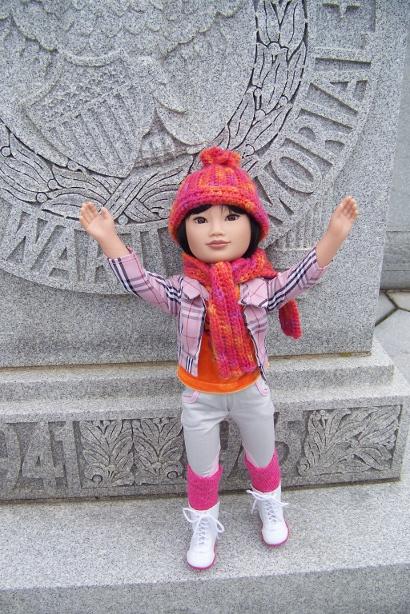 http://www.oddpla.net/blog/dolls/junebug/scarf/100_5225.JPG