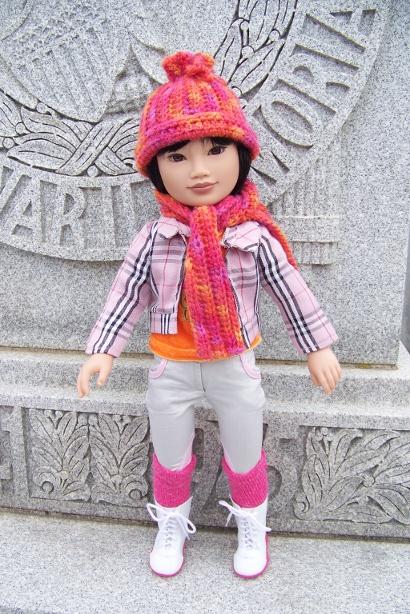 http://www.oddpla.net/blog/dolls/junebug/scarf/100_5226.JPG
