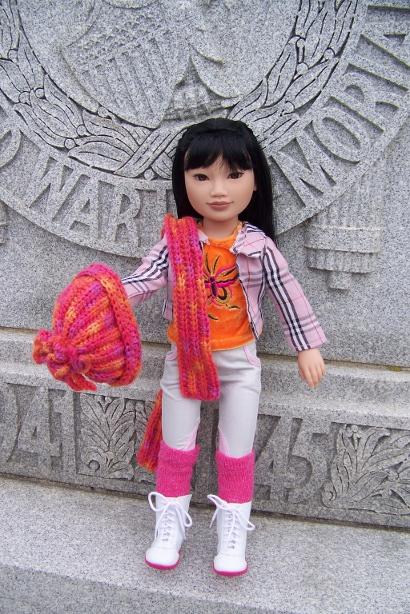 http://www.oddpla.net/blog/dolls/junebug/scarf/100_5227.JPG