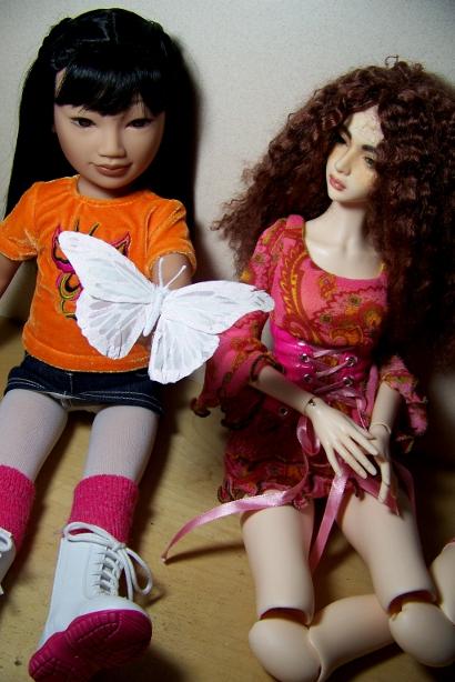 http://www.oddpla.net/blog/dolls/junebug/xmas/100_4966.JPG