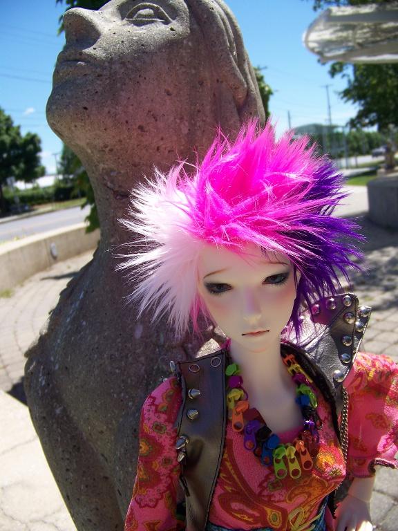 http://www.oddpla.net/blog/dolls/lolapaprika/sphinxes/100_5744.JPG