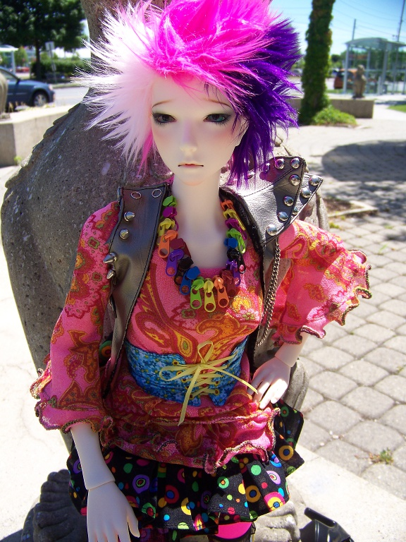 http://www.oddpla.net/blog/dolls/lolapaprika/sphinxes/100_5746.JPG