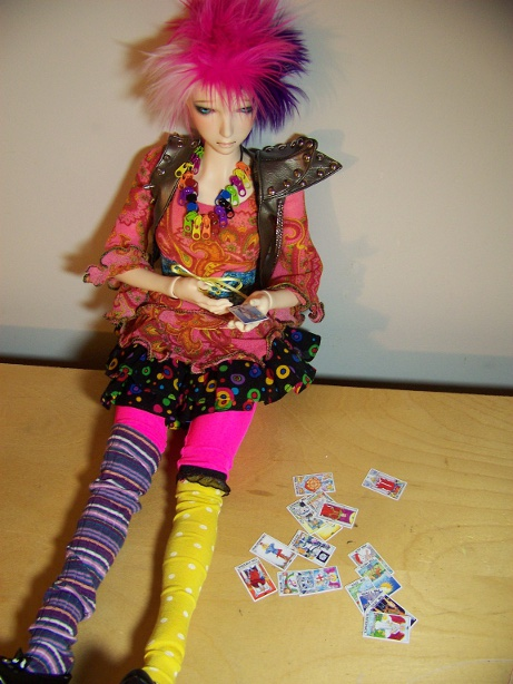 http://www.oddpla.net/blog/dolls/lolapaprika/tarot1/100_5780.JPG