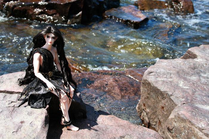 http://www.oddpla.net/blog/dolls/mellifer/lake/IMG_8214.JPG