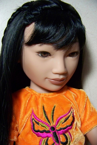 http://www.oddpla.net/blog/dolls/misc/junebugpoe/100_4880.JPG
