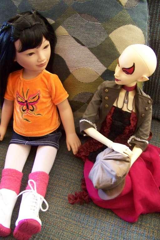 http://www.oddpla.net/blog/dolls/misc/junebugsummer/100_4278.JPG