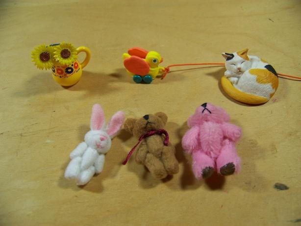 http://www.oddpla.net/blog/dolls/misc16/faves/100_5998.JPG