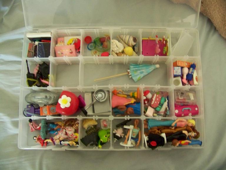 http://www.oddpla.net/blog/dolls/misc16/unpack2/100_5990.JPG