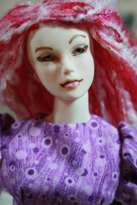 http://www.oddpla.net/blog/dolls/muses/ellery/IMG_6537.JPG