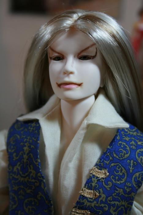 http://www.oddpla.net/blog/dolls/muses/lucian/IMG_6540.JPG