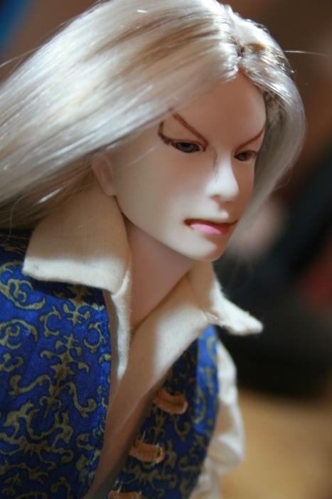 http://www.oddpla.net/blog/dolls/muses/lucian/IMG_6545.JPG
