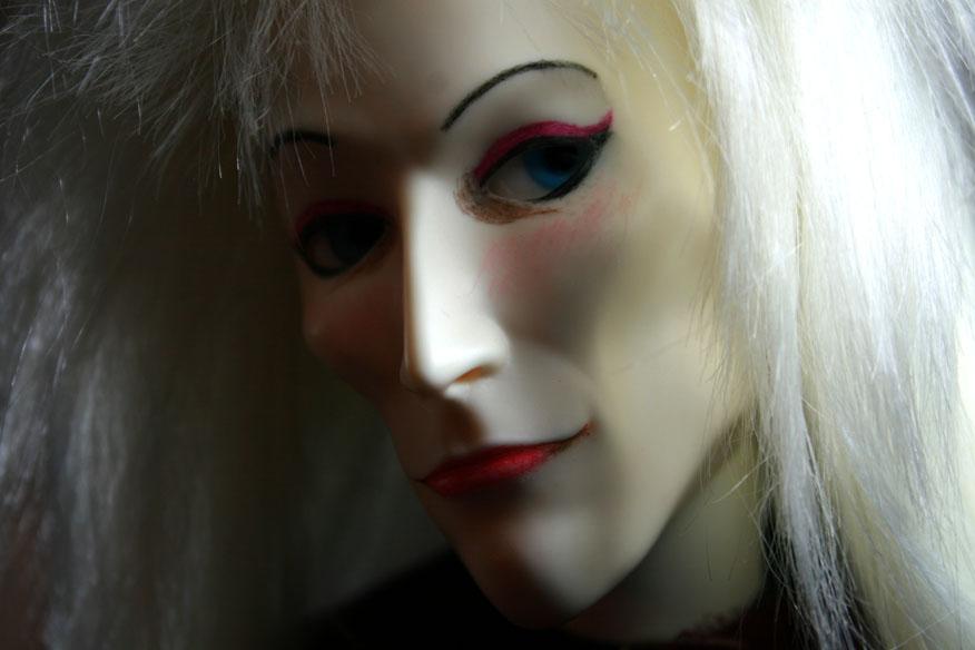 http://www.oddpla.net/blog/dolls/myjareth/face3/IMG_0911.JPG