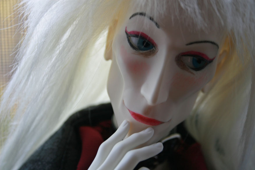 http://www.oddpla.net/blog/dolls/myjareth/window/IMG_0986.JPG
