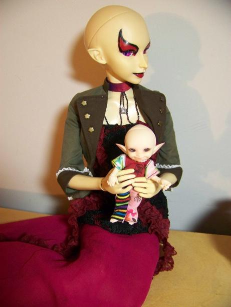 http://www.oddpla.net/blog/dolls/sarah/boring/100_5776.JPG