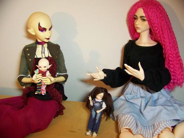 http://www.oddpla.net/blog/dolls/sarah/boring/100_5779.JPG