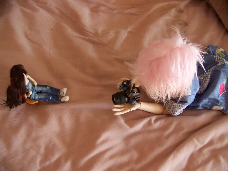 http://www.oddpla.net/blog/dolls/sarah/camera/100_5466.JPG