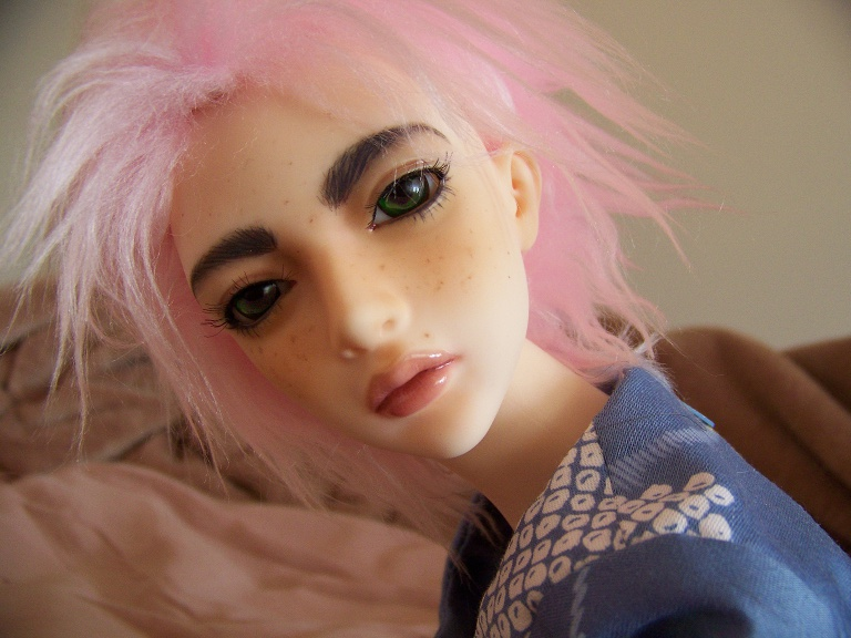 http://www.oddpla.net/blog/dolls/sarah/camera/100_5478.JPG