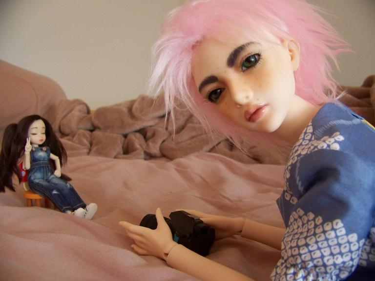 http://www.oddpla.net/blog/dolls/sarah/camera/100_5480.JPG