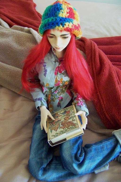 http://www.oddpla.net/blog/dolls/sarah/handstand/100_4817.JPG