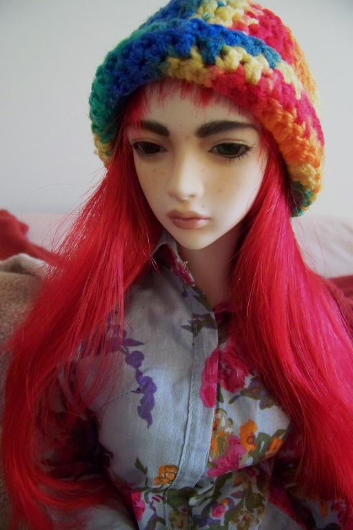 http://www.oddpla.net/blog/dolls/sarah/handstand/100_4818.JPG