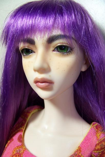 http://www.oddpla.net/blog/dolls/sarah/purple/100_5064.JPG