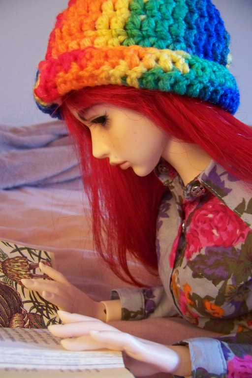 http://www.oddpla.net/blog/dolls/sarah/reading/100_4775.JPG