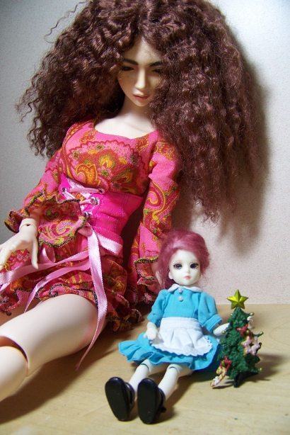 http://www.oddpla.net/blog/dolls/sarah/smxmas/100_5002.JPG