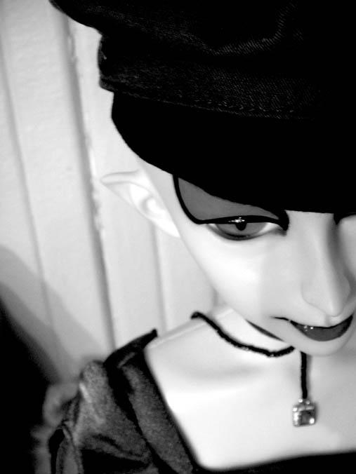 http://www.oddpla.net/blog/dolls/sardonix/dreamofgenie/IMG_0004.JPG