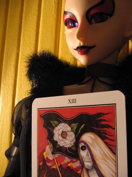 http://www.oddpla.net/blog/dolls/sardonix/hellqueen/IMG_0064.JPG