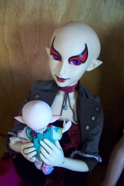 http://www.oddpla.net/blog/dolls/sardonix/lolly/100_4997.JPG
