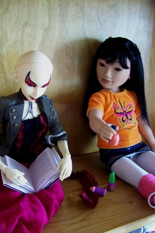 http://www.oddpla.net/blog/dolls/sardonix/nail/100_4623.JPG