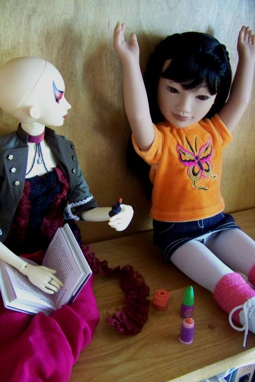 http://www.oddpla.net/blog/dolls/sardonix/nail/100_4627.JPG