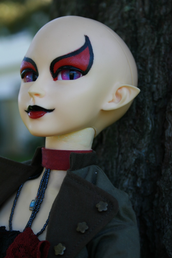 http://www.oddpla.net/blog/dolls/sardonix/tree/IMG_6483.JPG
