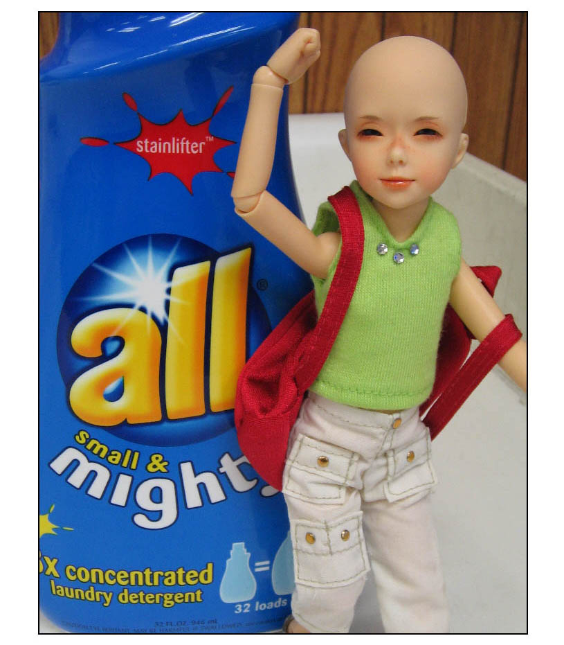 http://www.oddpla.net/blog/dolls/submit/laundry/SmallandMighty-004.JPG