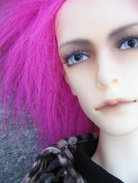 http://www.oddpla.net/blog/dolls/will/atwork/IMG_0009.JPG